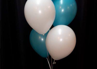 8) tafeldecoratie met 5 ballonnen € 9,50