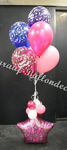 16) grote tros met happy birthday voet € 18,00