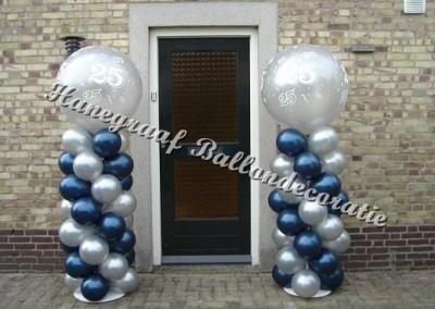 22) donker blauw/zilver (2 m. hoog) € 35,00