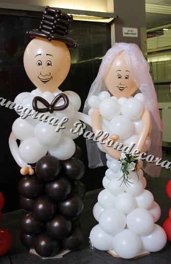 5) ballonnen bruidspaar samen€95,00