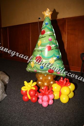 40) folie ballonnen kerstboom ( op aanvraag)