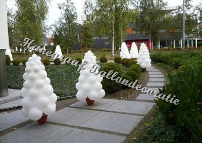 23) ballonnen boompje(1.50 m. hoog) €27,50 per stuk