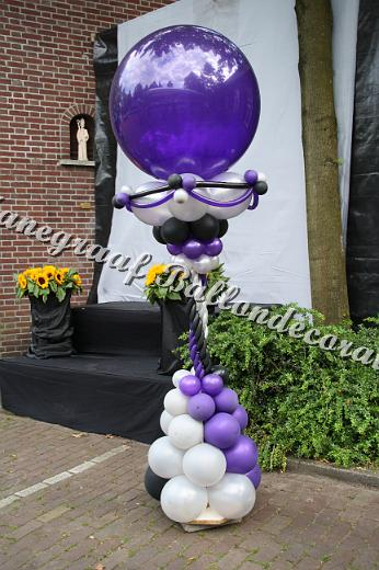 16) chique ballon pilaar (2.5m hoog) €42,00